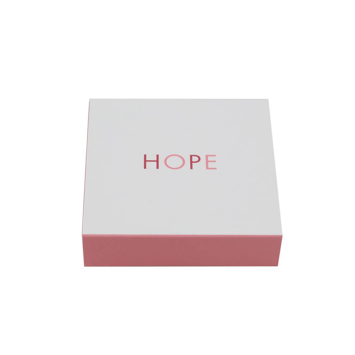 Doosje met HOPE pop open kaartjes